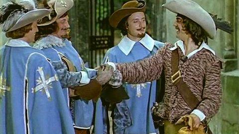 25 декабря - день премьеры приключенческого мюзикла «Д'Артаньян и три мушкетера»