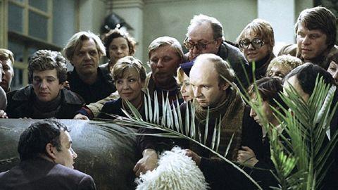 ТЕСТ: Кому из героев фильма «Гараж» принадлежит цитата?