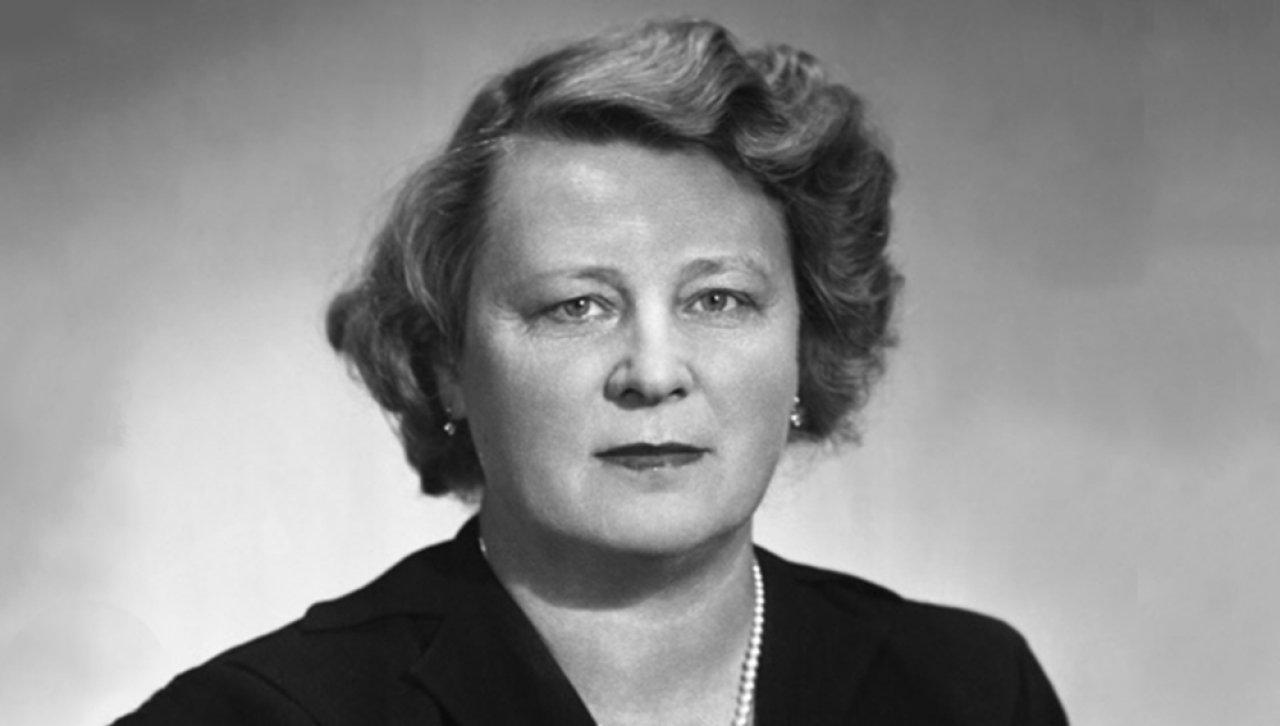 Алла Тарасова